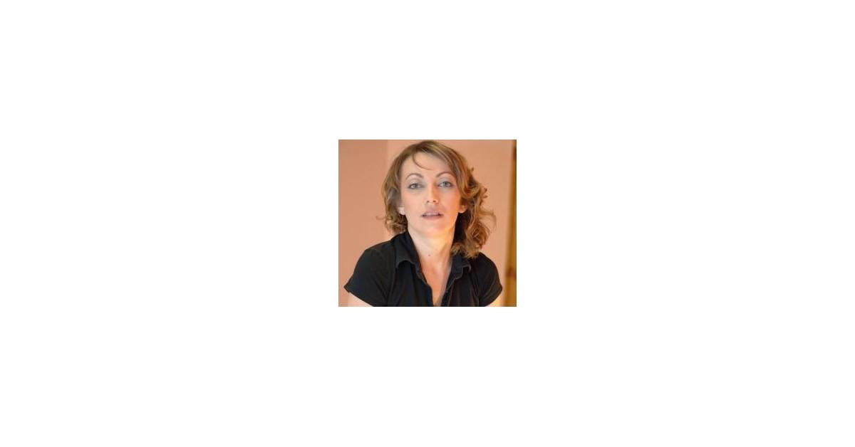 Intimist - Jasna Koteska | Menschenrechtaufnahrung.org